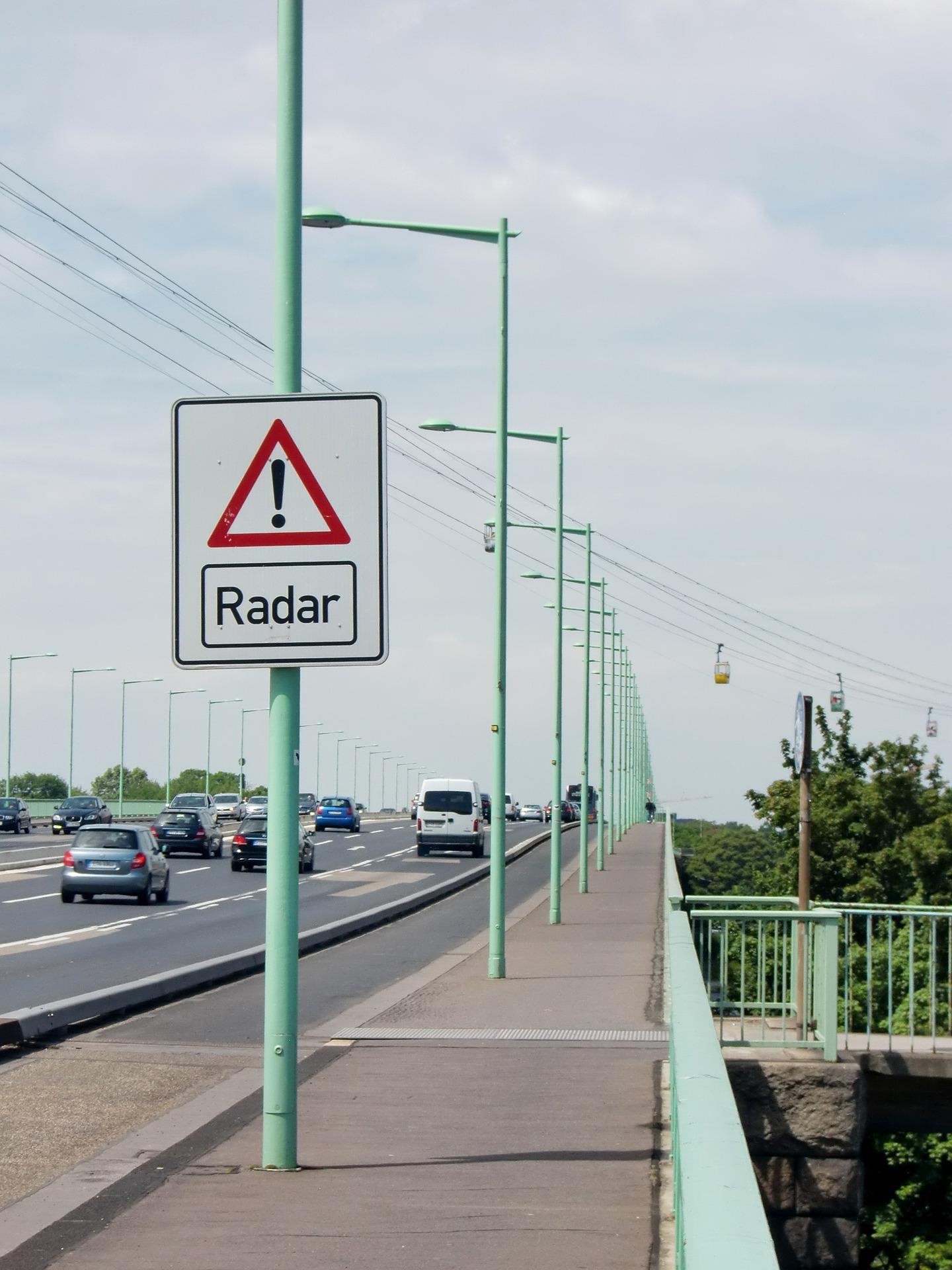 El timo de la falsa multa del radar